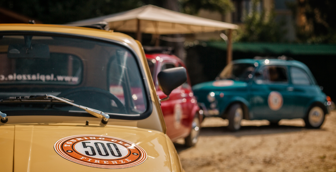 wine tasting and picnic lunch with Fiat 500