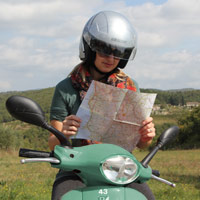 Vintage Fiat 500 and vespa scooter tours in tuscany