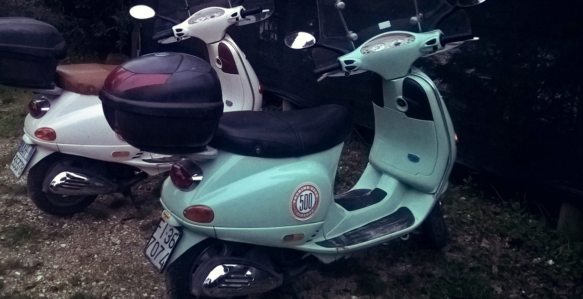 Vintage Vespa tour Firenze: amy from our fleet 2
